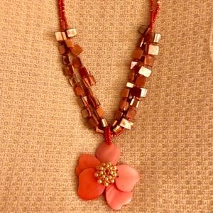 Beautiful Coral 🌸 Necklace w/Matching Earrings